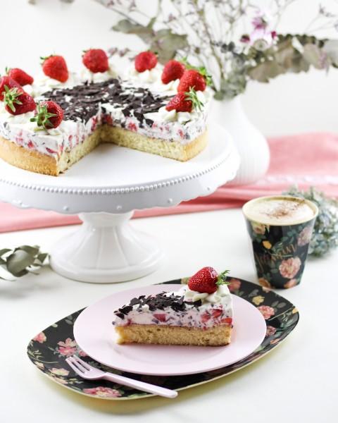 Erdbeer-Stracciatella-Torte-mit-dem-Thermomix-R
