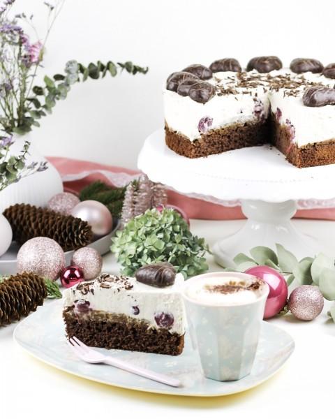 Lebkuchen-Torte-mit-Kirschen