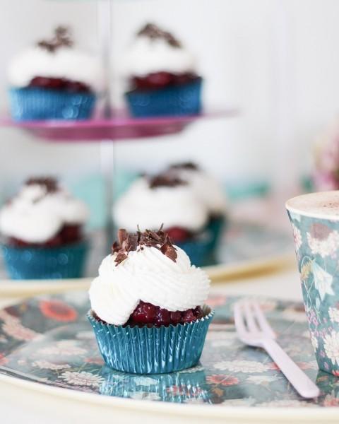 Schwarzwa-lder-Kirsch-Brownie-Cupcake